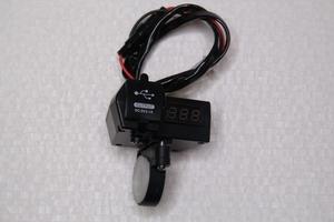Зарядное устройство и вольтметр на руль 22мм-28мм 12V-24V