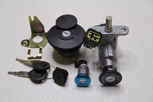 Комплект замков для китайского скутера (стелс вортекс) 5-и проводной