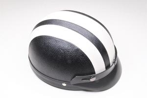Ретро шлем с козырьком. Кожезаменитель (Китай)