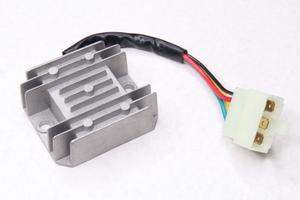 Реле регулятор напряжения 152QMI/157QMJ (1 фишка 5 контактов)